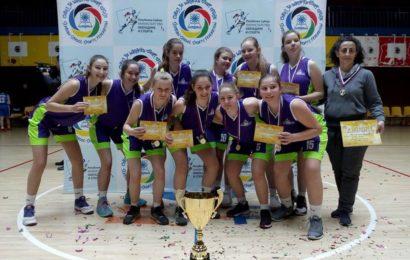 Košarkašice OŠ Svetozar Miletić Titel prvakinje na Republičkom školskom takmičenju