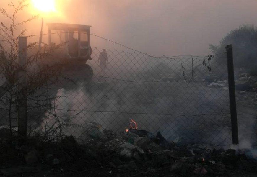 Saniran požar na deponiji u Titelu