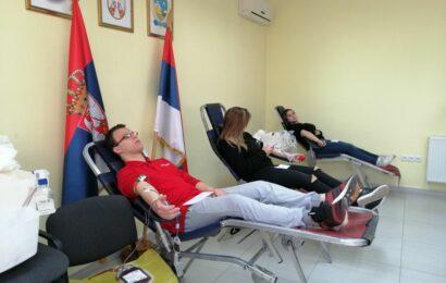 Maturanti STŠ Mileva Marić obeležili akciju davanja krvi