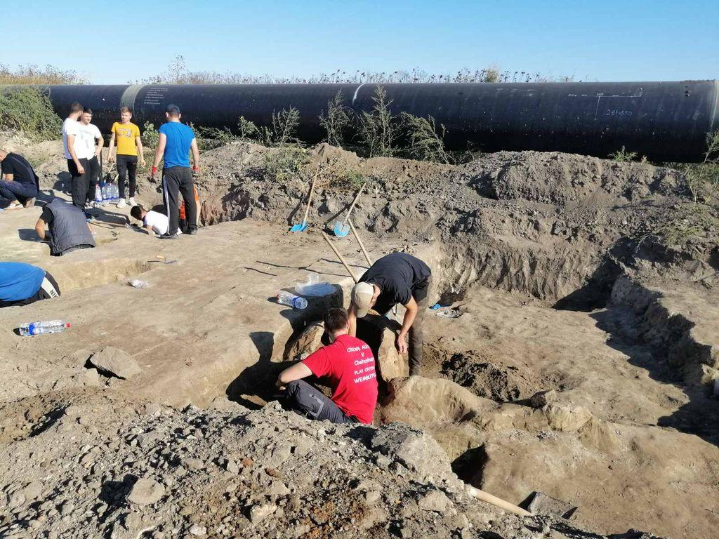 arheolozi-lok-gardinovci